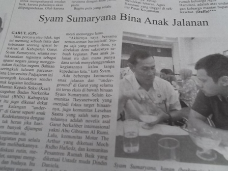 Syam Sumaryana (Berkemeja Hitam).