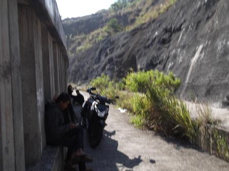 Lintasan Lorong Atas Terowongan Ruas Badan Jalan Raya Lingkar Nagreg.