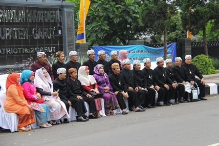 Terimakasih, dan Selamat Jalan Bagi Para Wakil Rakyat yang Purna Tugas. (Foto: John Doddy Hidayat).