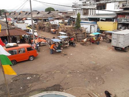 Ilustrasi. Pasar Ciawitali Guntur, Garut, Jawa Barat. (Foto: John Doddy Hidayat).