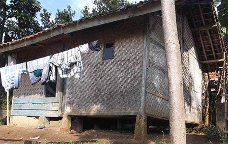 Rumah Tak Layak Huni di Kampung Panawuan Kelurahan Sukajaya, Tarogong Kidul, Garut.