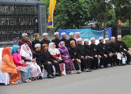 Para Anggota DPRD Periode Sebelumnya. (Foto : John Doddy Hidayat).
