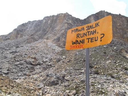Tebin.g Kaldera Gunungapi Papandayan