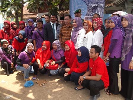 Keluarga Besar pengelola Klinik Utama Yasifa' Bersama Wabup Helmi Budiman.