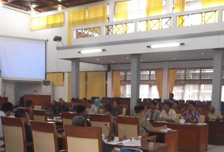 Sinkronisasi Dengan Bahasan Pokok Defisit RAPBD 2015.