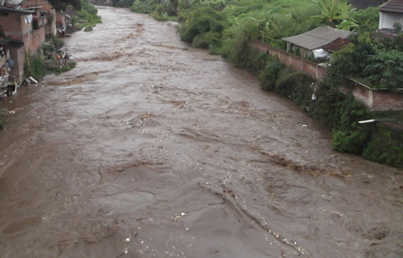 Luapan Banjir Kerap Mengganas.