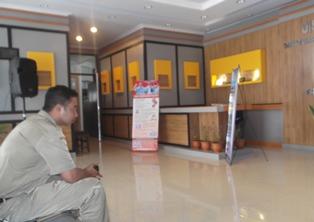 Front Office Termasuk Ruang Tunggu Kantor Distarkim sangat Nyaman, Bersih dan Sehat.