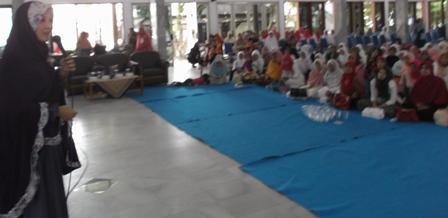Inspirator Hijrah Menyampaikan Tablighnya, Sabtu (24/01-2015) di Gedung Pendopo Kabupaten Garut.