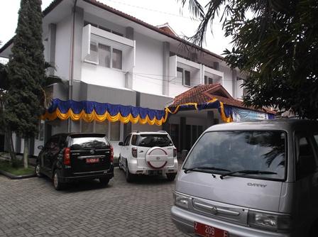 Kantor Bappeda Garut, yang Bewibawa. (Foto: John Doddy Hidayat).