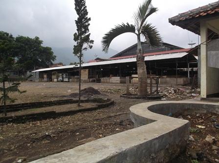 Alun-Alun Malangbong. (Foto : John  Doddy Hidayat).
