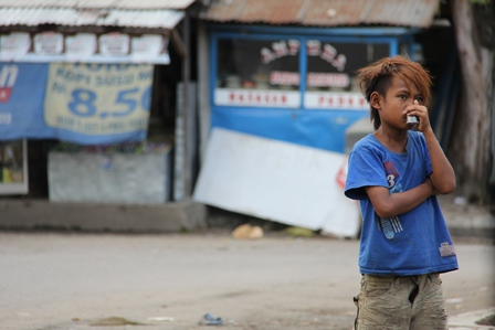 Anak Jalanan di Garut, Juga Kudu Dipedulikan. (Foto: John Doddy Hidayat).