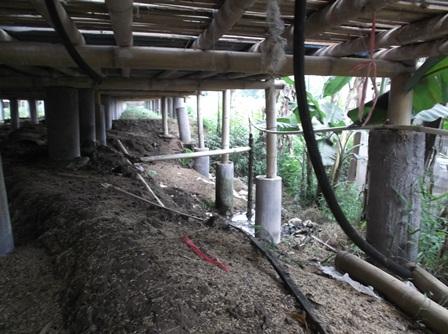 Pengeboran Sumber Air Panas di Kampung Buleud Terletak di Bawah Kolong Kandang Peternakan Ayam.