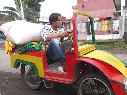 Ilustrasi. Produk Mobil Garut Hanya Seharga Rp4 Juta. (Foto: John Doddy Hidayat).