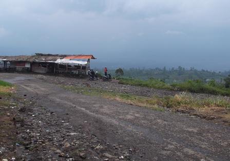 Seputar Lintasan Obyek Wisata Talaga Bodas Juga Berkondisi Kumuh.