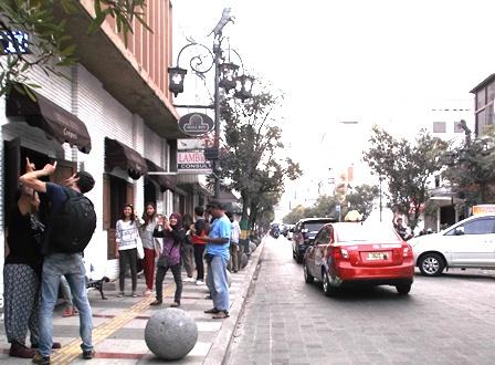 Sepanjang Lintasan Jalan Braga Sarat Dinamika.