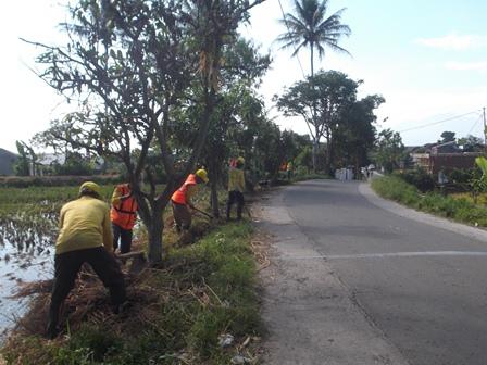 Kegiatan Pemeliharaan Diselenggarakan UPTD Bina Marga Tarogong.