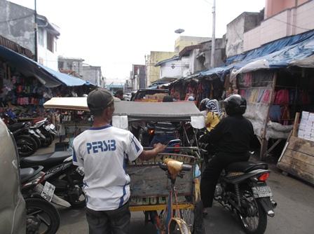 Lintasan Pasar Baru Kian Sumpeg.