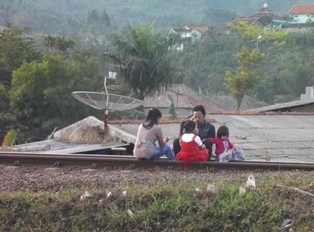 Bercengkara Bersama Keluarga Menjelang Berbuka Puasa.