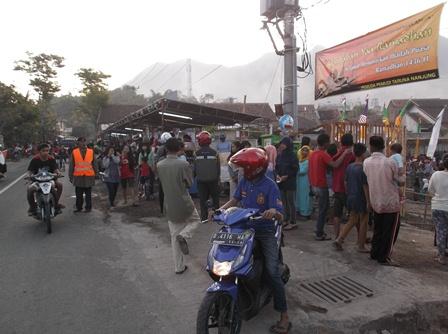 Pada Lintasan Jalan Alternatif Kadungora - Cijapati pada Arus Mudik, dan Balik Lebaran Idul Fitri.