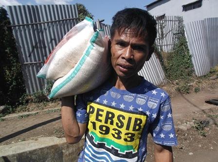 Bazar Dengan Sembako Murah.