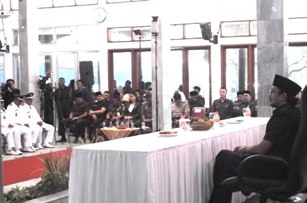 Antara Lain Disaksikan Wakil Bupati Helmi Budiman.