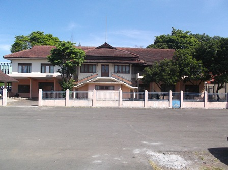 Dibongkar Tunjang Perluasan Areal Islamic Center Garut.