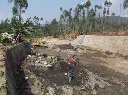 Pembangunan Chek Dam Sungai Ciparugpug.
