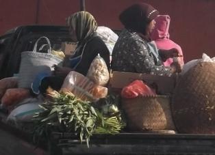 Masyarakat Pasar Tradisional.