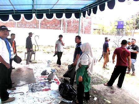 Lebaran Idul Kurban, Keluarga Besar Dinas Bina Marga Kabupaten Garut, Menyembelih Dua Sapi.