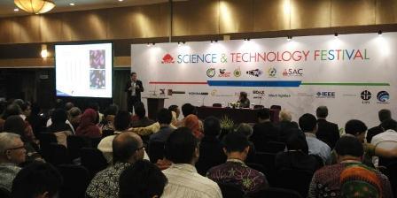 Science and Technology Festival di Bandung pada Senin (5/10/2015). Yunanto Wiji Utomo