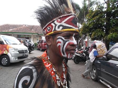 Dari Papua.