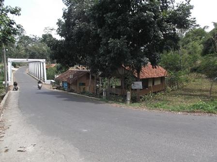 Poros Lintasan Jalan Pengubung Leuwigoong - Cibatu.