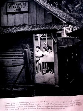 Pemberantasan Buta Huruf di Kalimantan Pada 1960-an.