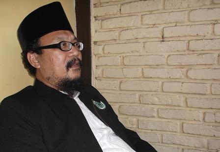 KH. Drs Agus Muhammad Soleh.