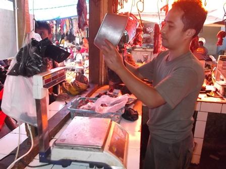 Omset Penjualan Menjadi Sepi, Bahkan Menurut Sekitar 50 Persen.