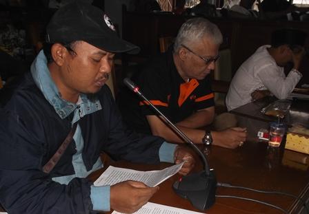 Pernyataan Sikap Gugat Didamp[ingi Iwan Katox.