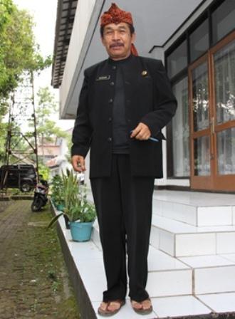 Drs H. Darsani, M.Si