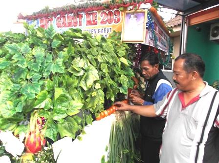 Berwisata Belanja di Pasar Rakyat.