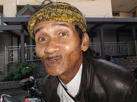 Mahmud, Seniman Lisung dari Cisereh.