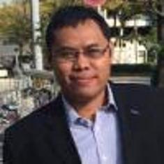 Hasanudin Abdurakhman,Doktor di bidang fisika terapan dari Tohoku University, Jepang. Pernah bekerja sebagai peneliti di dua universitas di Jepang, kini bekerja sebagai General Manager for Business Development di sebuah perusahaan Jepang di Jakarta.