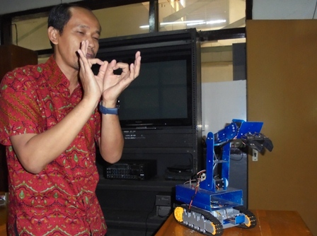 Produk Prototipe Robotica SMKN 2 Garut, Masih Menunggu Sentuhan Investor Untuk Meangaplikasikannya.