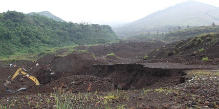 Uang Penyebab Rusak-Parahnya Lingkungan Kaki Gunungapi Guntur.