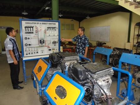 Praktekum Teknik Otomotif Kendaraan Ringan.