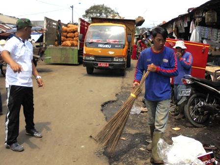 Menyampaikan Pemahaman Bersih Lingkungan Menandai Bersihnya Hati -Nurani.