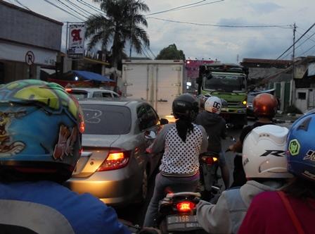 Kota Garut Dikepung Kemacetan Arus Lalulintas.
