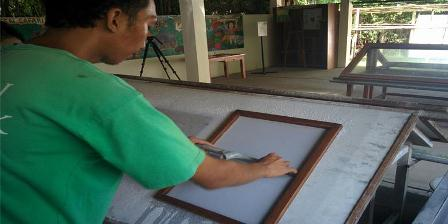 Sebelum menjadi kertas, kotoran gajah melalui proses pengolahan selama satu minggu. (Kompas.com/Anne Anggraeni Fathana).