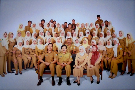 Keluarga Besar UPTD Puskesmas Siliwangi Garut.