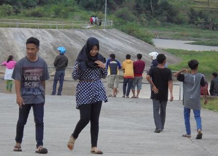 Semarak di Bendung Copong, Rabu (08/06-2016).