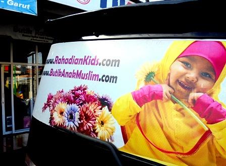 Tapil Penuh Percaya Diri Dengan Busana Muslimah.