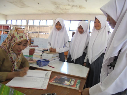 Gita Fitri Sajikan Jasa Layanan Perpustakaan Sekolah.